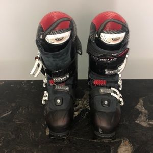 Krypton Cross ski boots